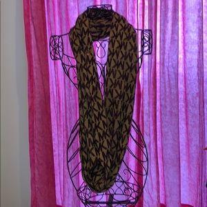 Infinity Michael Kors scarf